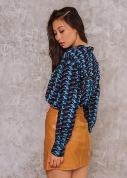 Женская рубашка Ария темно-синяя с абстрактным принтом