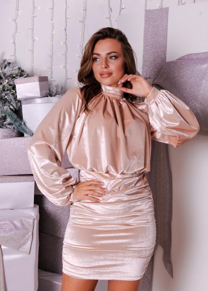 Платье коктейльное велюровое кремовое