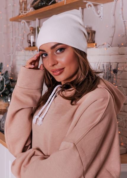 Женская шапка белая