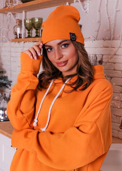 Женская шапка оранжевая