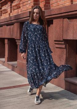 Лёгкое женское платье тёмно-синее с цветочным принтом