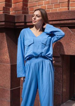 Женский прогулочный костюм (кофта + штаны) цвет голубой