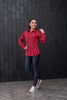 Женская рубашка в клетку красная