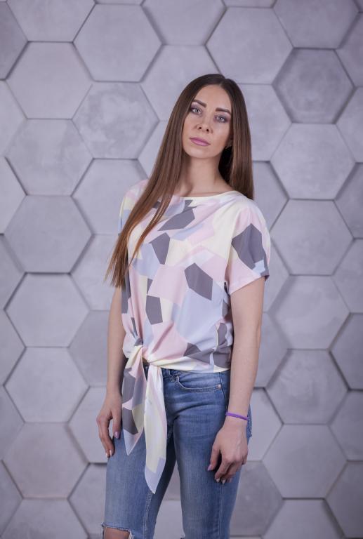 Блузка Вики с принтом фигуры