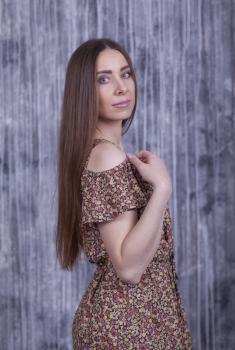 Блузка Мая коричневая с цветочным принтом