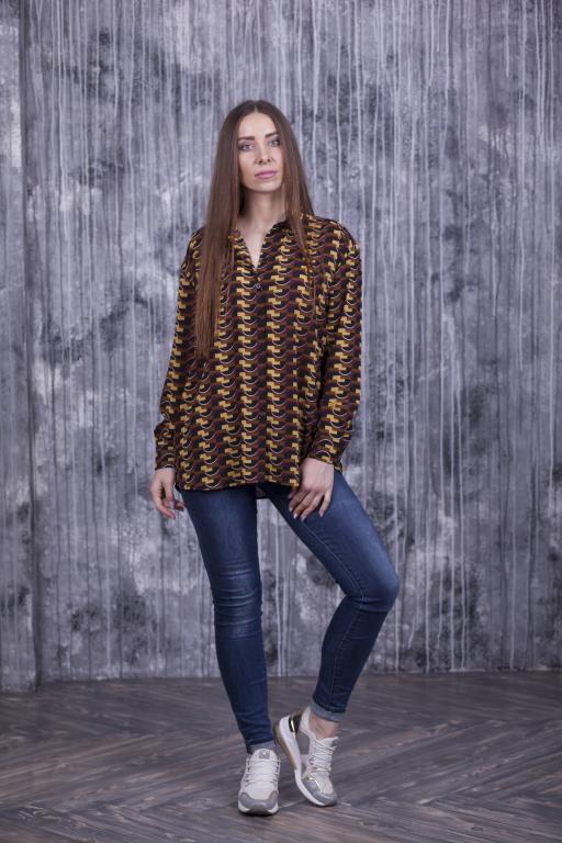 Женская рубашка Ария коричневая с абстрактным принтом