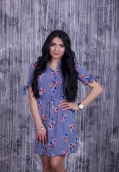 Платье Инга цвет синий с белым и цветочным принтом