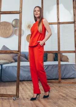 Женский костюм (блузка + брюки) красный