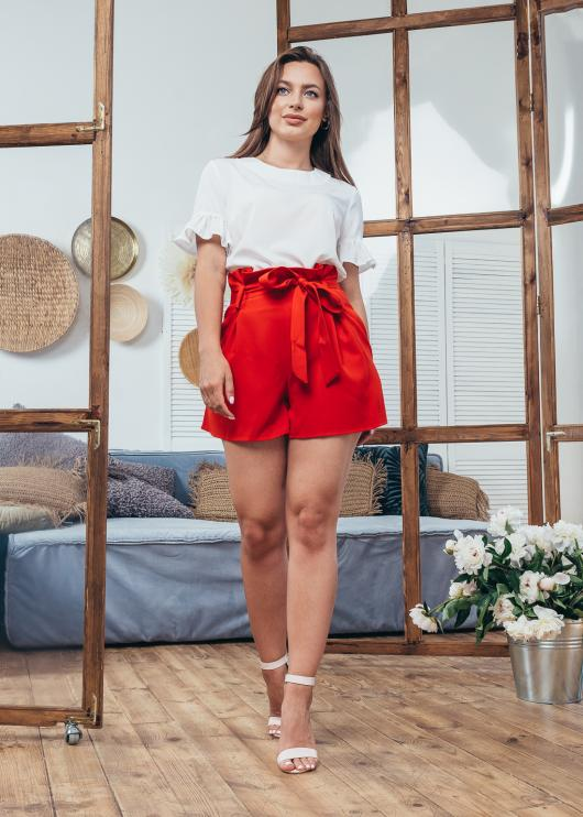 Женские шорты красные